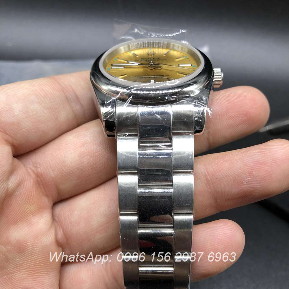 R032Z32, Rolex Oyster Perpetual champagne dial