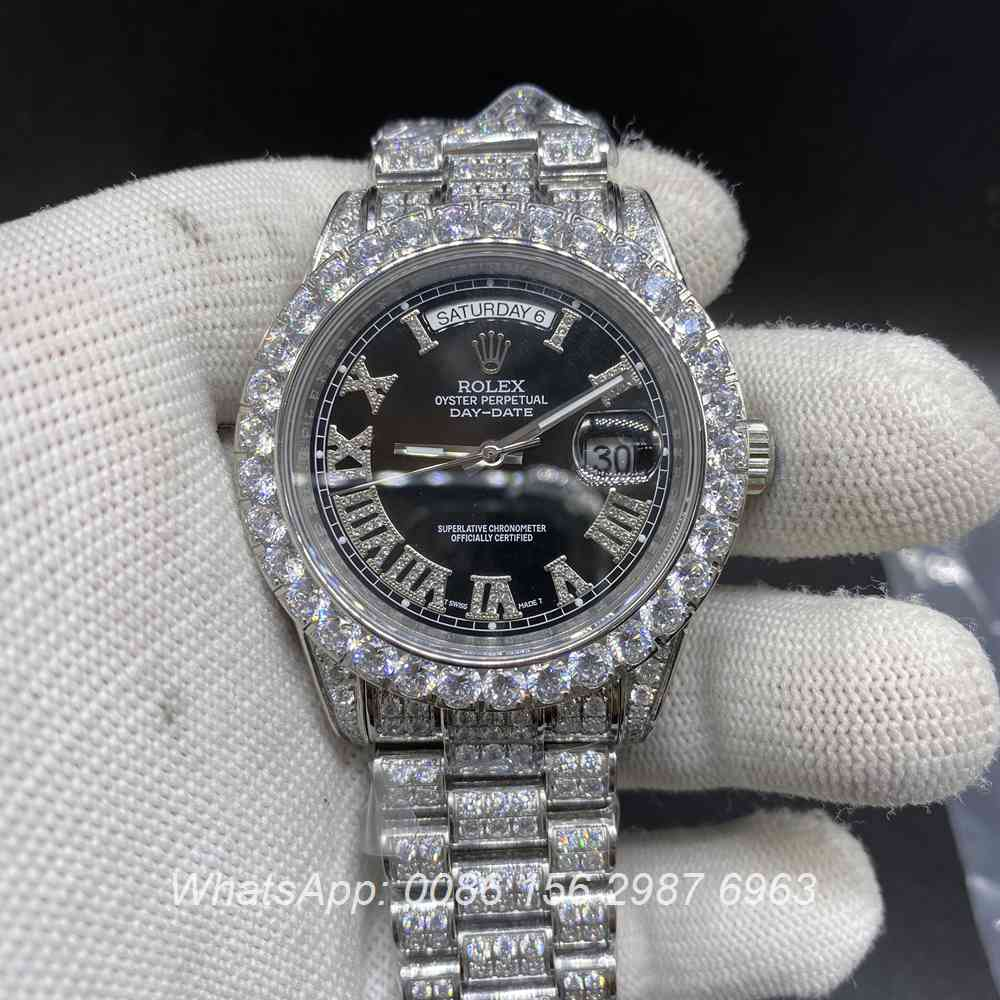 R185M215, DayDate diamonds silver case 41mm black face president strap