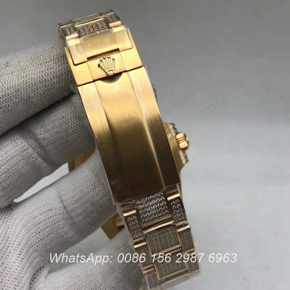 R120M233, SUB iced gold automatic 2813 AAA shiny diamonds watch