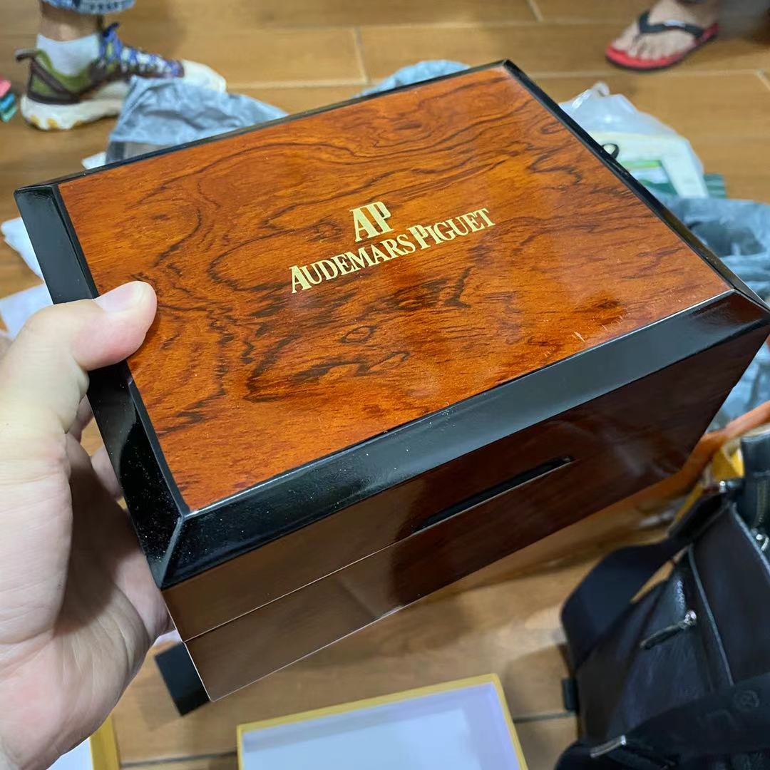 AP wooden box #35