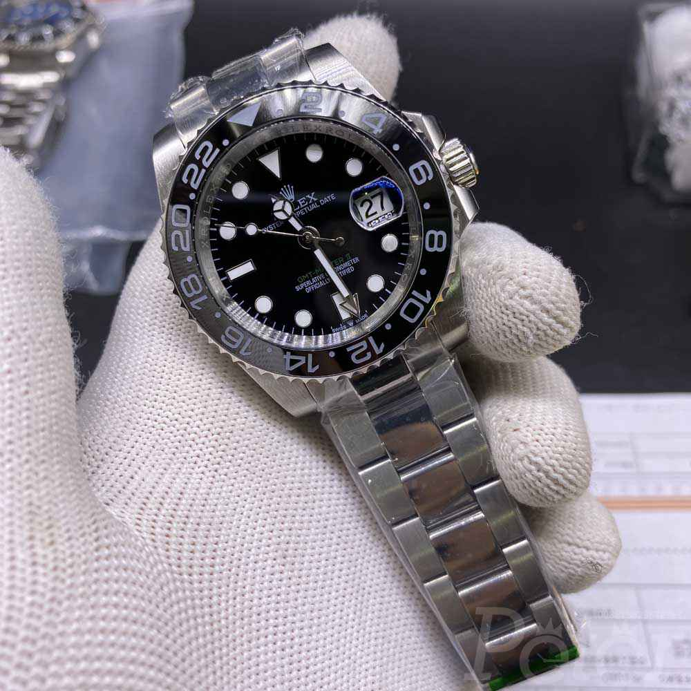 GMT AAA+ stainless steel silver case black dial classic model YT033