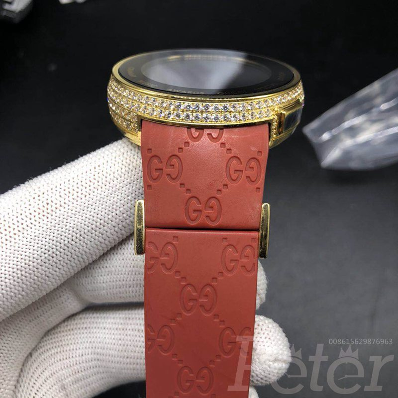 Gucci Grammy Music Awards Special Edition diamonds gold case red rubber C055