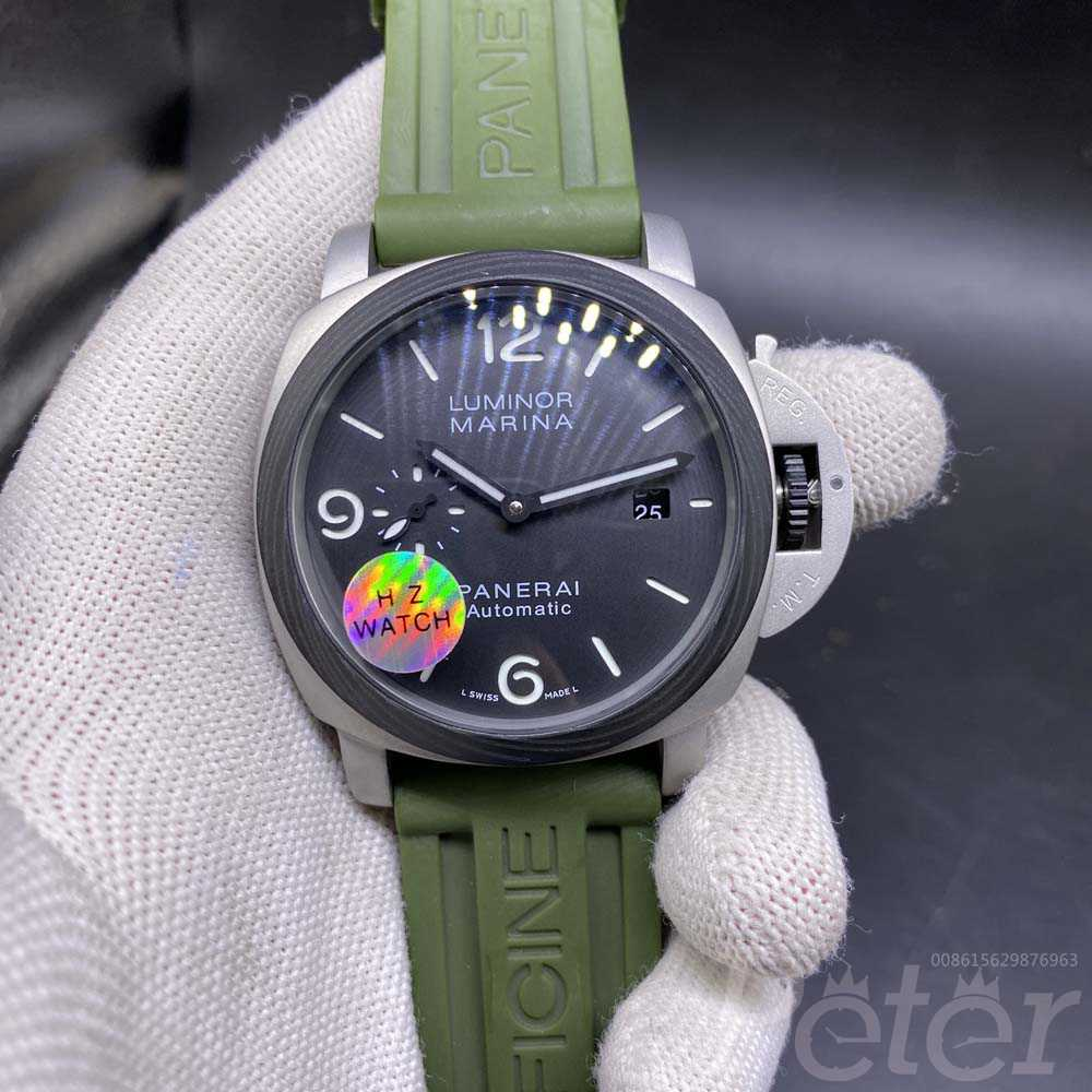 Panerai Luminor Marina silver case black bezel 45mm green rubber strap automatic HZ035