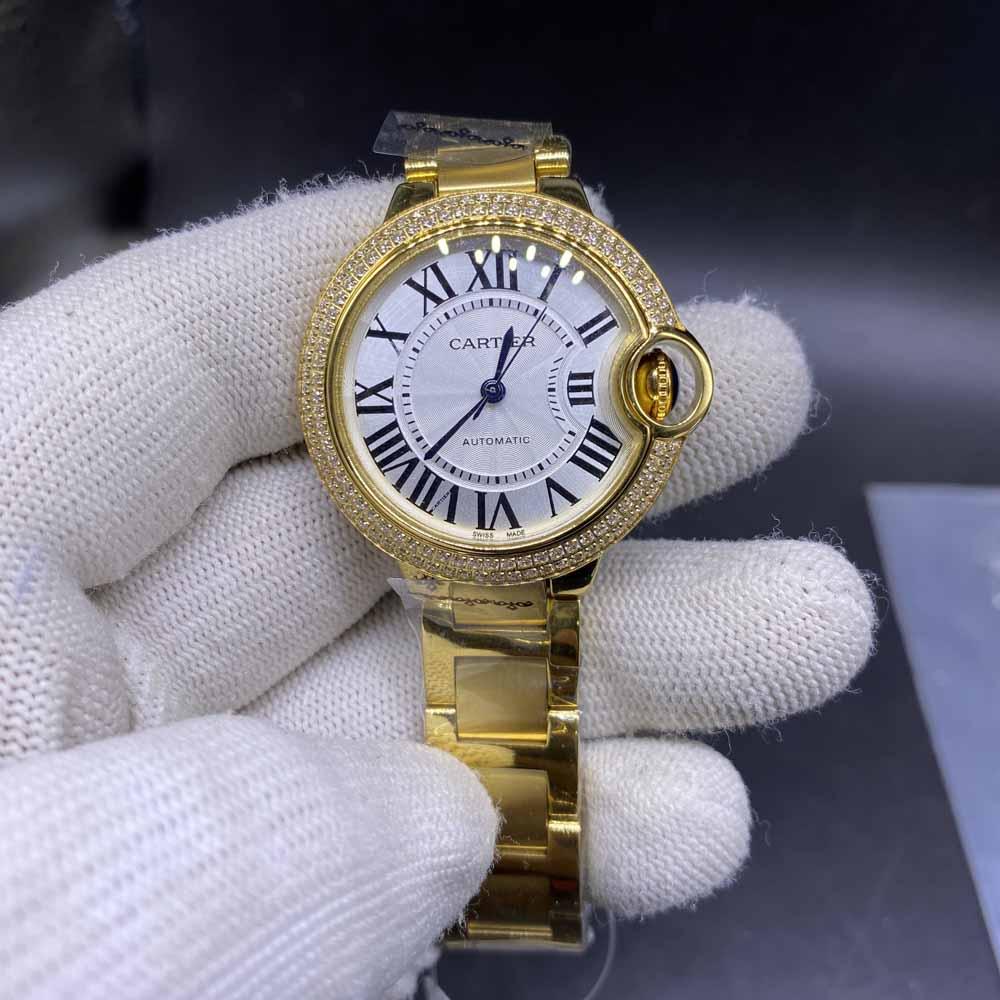 Cartier 33mm women size yellow gold case automatic diamonds bezel HZ035
