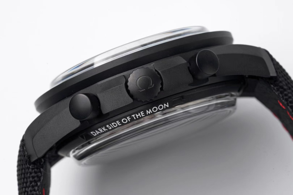 Omega Speedmaster Dark side of the Moon all black 42x17.2mm automatic 9300 XD