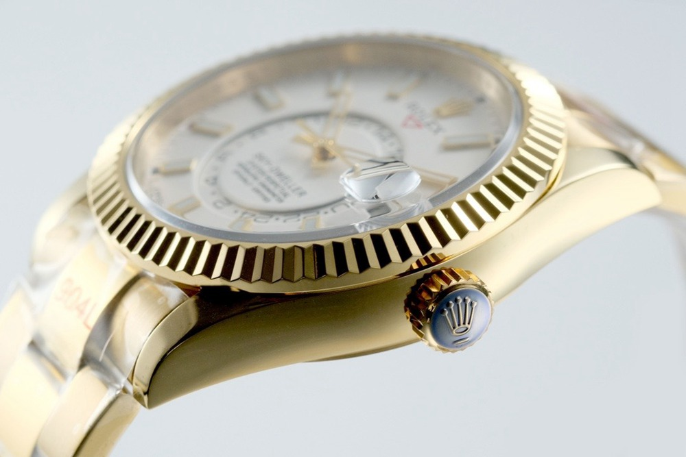 Sky-Dweller 42mm gold case white dial 9001 automatic full works high grade M125